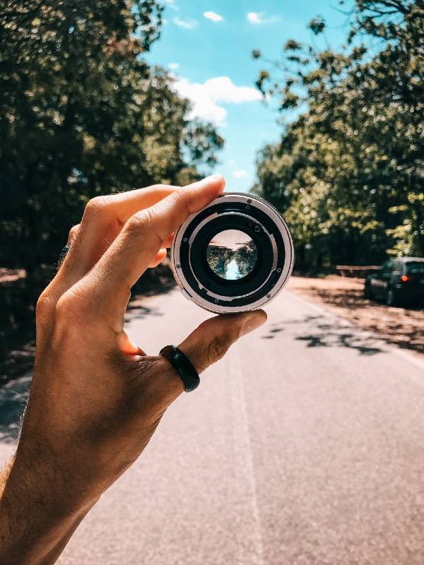 Holding a lense